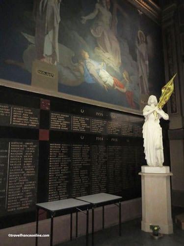 Saint Francois Xavier Church - Ste. Joan of Arc in the Chapelle des Morts
