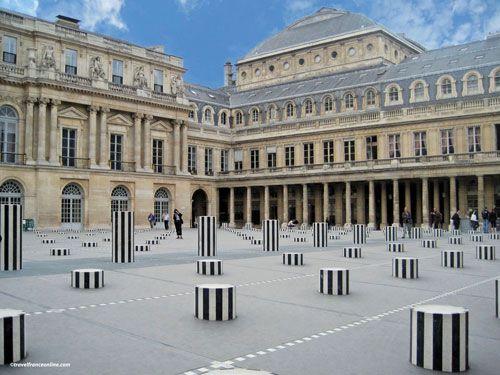 Colonnes de Buren in Palais-Royal