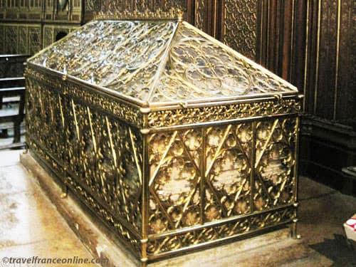 Sainte-Genevieve patron saint of Paris - Ste. Genevieve shrine in St. Etienne du Mont Church