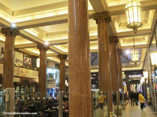 Les Arcades des Champs-Elysees