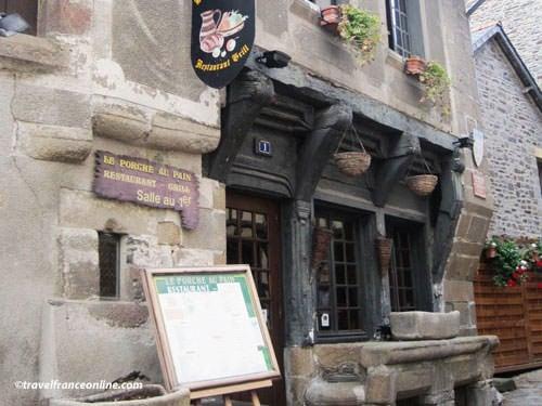 Dol de Bretagne - Porche au Pain at no1 Rue Ceint