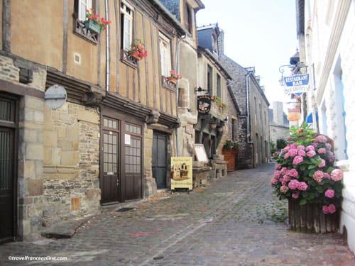 Dol de Bretagne - Rue Ceint