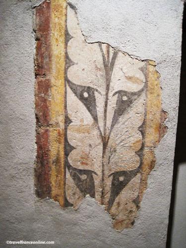 Fenaille Museum - Vestige of original painted wall in the Hotel de Jouery