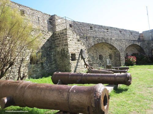 Ile de Noirmoutier - Canons from English vessel Maidstone seized in 1747 - Chateau de Noirmoutier