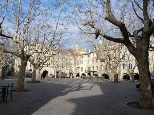 Place aux Herbes in winter - Uzes