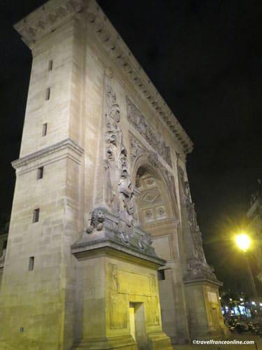 Porte Saint-Denis north facade illuminated at night
