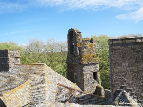 Chateau de Pirou - Roofs seen from the walkway