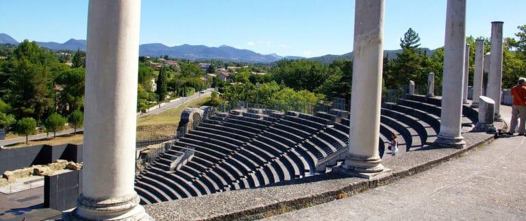 Vaison-la-Romaine, roman ruins and medieval city