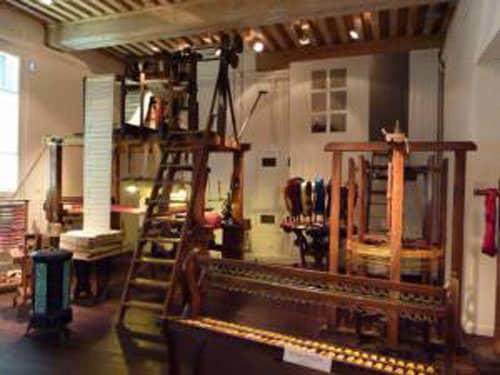 Weaver's workshop at La Maison des Canuts