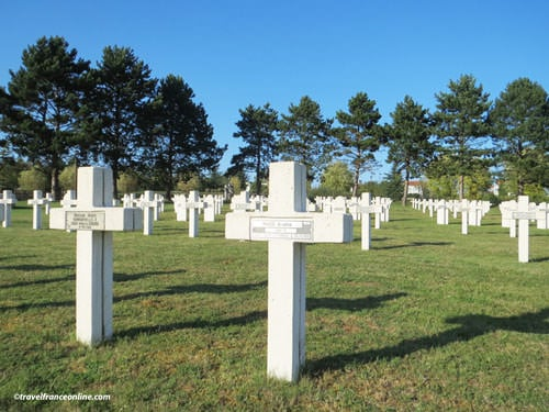 Saint-Quentin-National-Necropolis-French-graves-