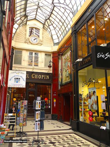 Passage Jouffroy - Hotel Chopin and Musee Grevin exit