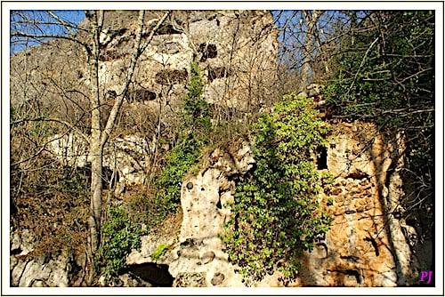Les Grottes de Perrier - Troglodyte dwellings
