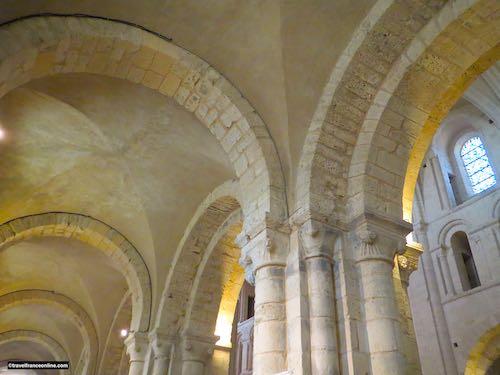 Lessay Abbey - Vaulted ambulatory