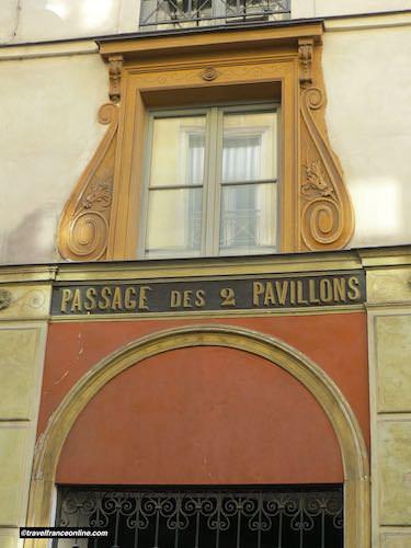 Passage des Deux Pavillons entrance on Rue des Petits-Champs