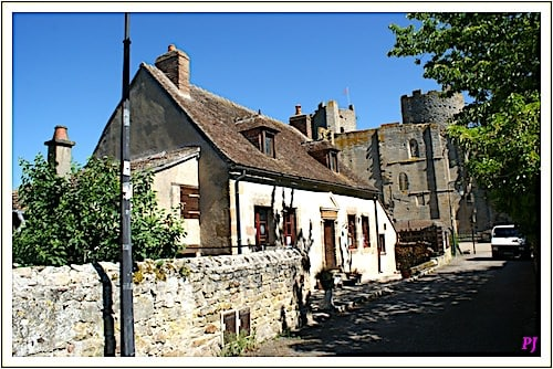 Fortress of Bourbon-l'Archambault in upper town