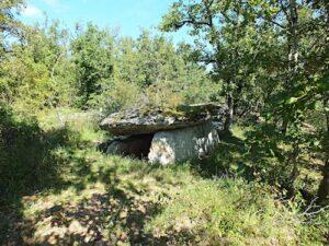 Dolmen de Martignes in Beduer - Lot