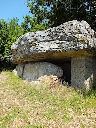 Dolmen de la Pierre Martine in Livernon in the Lot