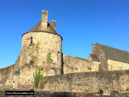 Saint-Sauveur-le-Vicomte fortress - Round tower