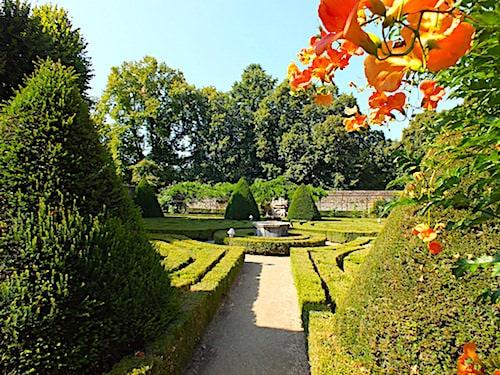 Chateau de Montal - Formal garden