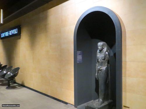 Louvre-Rivoli Metro station - Egyptian pharaoh