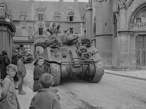 British Army entering Douvre-la-Delivrande