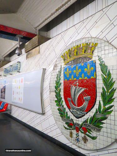 Cultural Metro stations in Paris - Hotel-de-Ville
