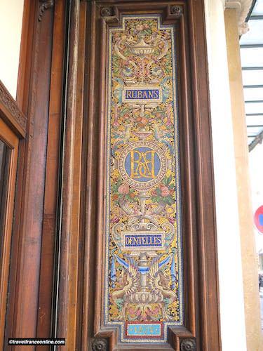 Le Bon Marché Rive Gauche - 19th century Art Nouveau mosaic