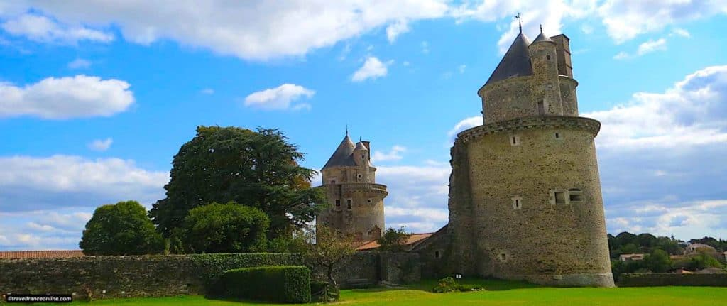 Castle of Apremont for Travel France Online