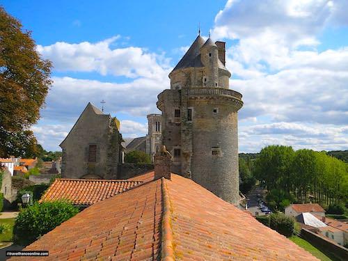 Castle of Apremont - west tower and chapel
