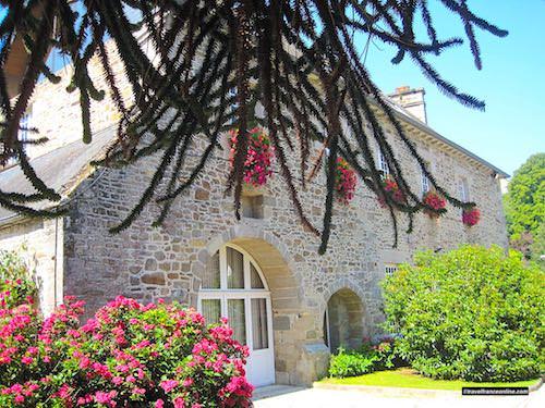 Lehon medieval village