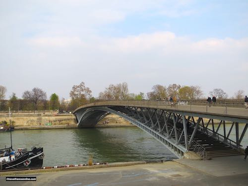 Passerelle Leopold-Sedar-Senghor's single arch