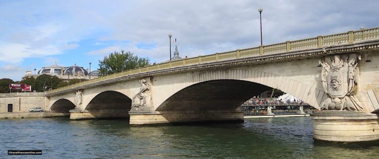 Pont des Invalides, the lowest of the Parisian bridges