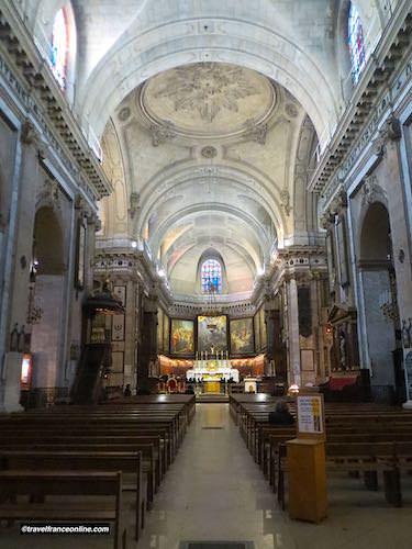 Notre Dame des Victoires Basilica nave