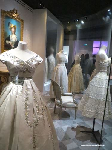 Christian Dior white collection - Exhibition Louvre 2017