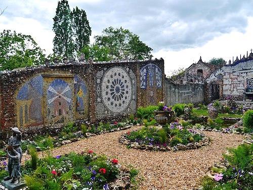 Maison Picassiette - garden