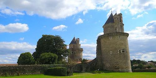 Apremont castle and park