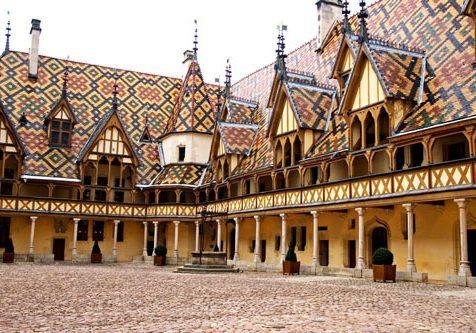 Bourgogne-Hotel_Dieu_Beaune_3