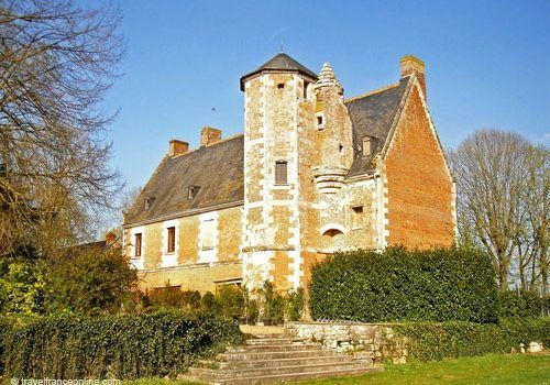 Chateau de Plessis les Tours - Seen from the gardens