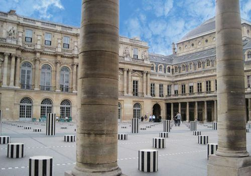 Colonnes de Buren in Palais-Royal