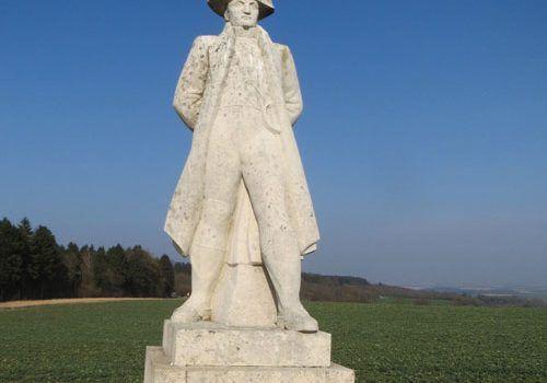 Napoleon-statue-in-Craonne-Aisne
