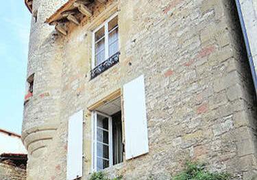 Villefranche du Perigord - turreted house