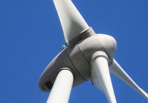 Wind-turbine-in-Pareloup-on-Plateau-du-Levezou